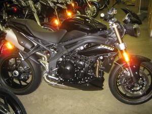 2015-Triumph-Speed-Triple-ABS-Black 005